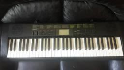 Vendo ou troco Teclado Casio CTK 1100 teclas de piano