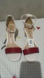 Venda sandália nova comprei depois não quis usa