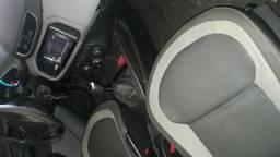 Veículo onix em ótima condições - 2015