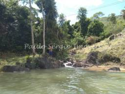 Sítio com Cachoeira Mineral em Rio Bonito