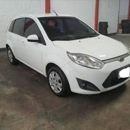 Vende -se Ford Fiesta
