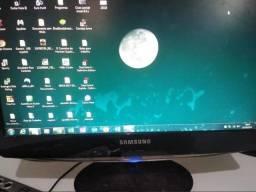 Monitor Lcd Samsung Syncmaster B1930n Detalhe Na Foto