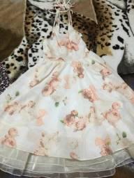 Vendo três vestidos de festa infantil