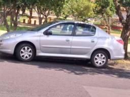 Vende_se Peugeot 207 sedã 2013