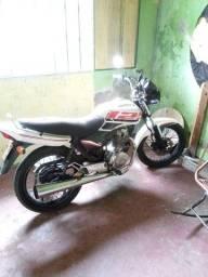 Moto cg 125 com os dois documentos 4000