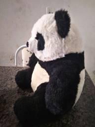 Urso de pelúcia tipo panda