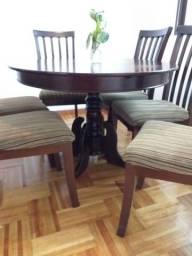 Conjunto mesa redonda ampliável para oval com 6 cadeiras