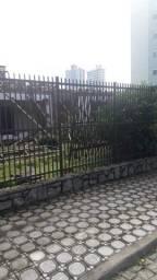 Portão e cercas de alumínio