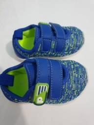 Sapato infantil novo nunca usado Tam.17