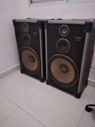 Duas caixas de som