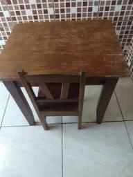 Mesinha e cadeira