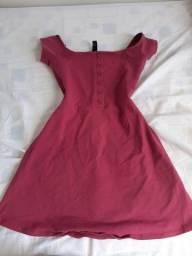 Vendo ou troco estes vestidos usados, preço na descrição