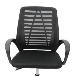 Cadeira de escritório Nova na Caixa, preta com estofado
