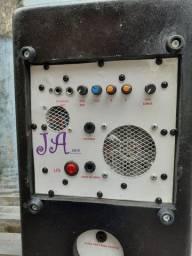 Caixa de som amplificada  100 W