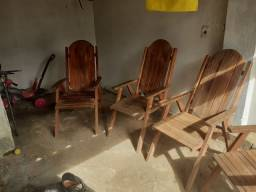 Cadeiras de madeira