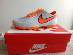 Chuteira Nike Tiempo tamanho 41 nova por 90