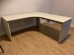 Mesa/escrivaninha em L