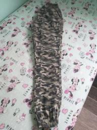 Calça feminina camuflada Tam P