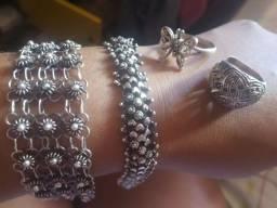 Pulseiras de prata de Bali e anel