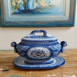 Sopeira antiga porcelana