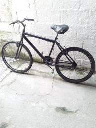 Bicicleta preta Aro 26 semi nova