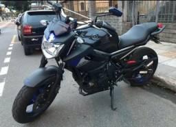 Moto XJ6 Valor: R$ 35.000