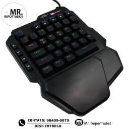 Teclado Gamer Mecânico One Hand Chroma Switch Azul (entragamos).
