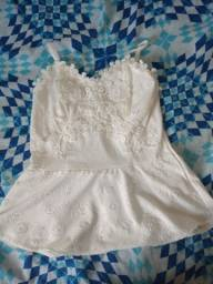 Vende-se blusa nova branca tamanho P