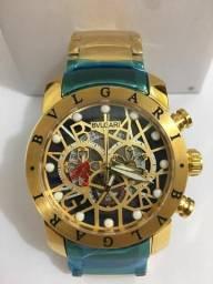 f593a6c9350 Relógio Bvlgari skeleton fundo preto