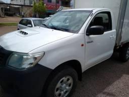 Toyota Hilux CS (baú) 4x4 veículo bem conservado - 2012