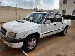 S10 executiva disel bem conservada aceito troca carro até 20 mil - 2006