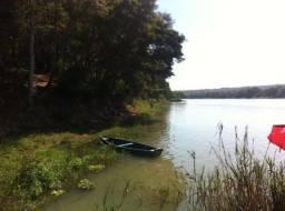 Rancho para pesca na beira do rio São Francisco em Três Marias