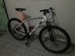 Bicicleta Aro 29 R$900,00