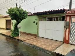 A: Campo Grande - 5 Min West Shopping - Casa Linear Com Quintal E 3 Vagas - Carta-FGTS