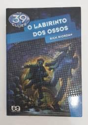 Livro O Labirinto dos Ossos