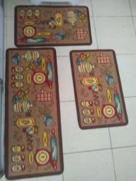 Jogo de três tapetes para cozinha