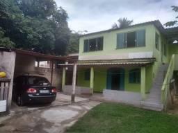 Vendo em Piúma-ES, imóvel composto por 02 casas edificadas no lote de 240m2.