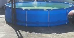 Piscina com estrutura 6.400 litros