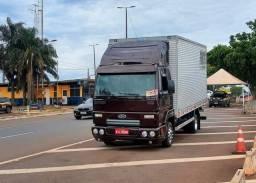 Frete frete mudança em caminhão Baú 815