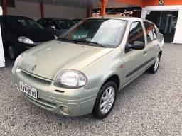 Clio 2002 1.0 Sedan