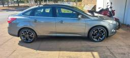 Título do anúncio: Vendo ou troco Ford Focus Titanium 2.0 15/15