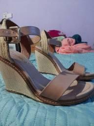 Sandália tamanho 37/