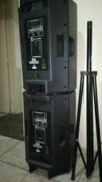 Todas  4 caixas são ativas e mesa de som R$9,500,00 troco por barco.