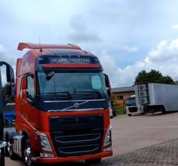 Volvo FH540 - 2017 - Só Cavalo - Vermelho