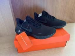 Tênis Nike Revolution 5 Feminino tamanho 35 - Preto e Grafite