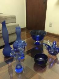 Jogo de peças azuis de vidro