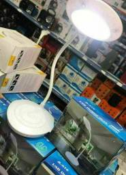 Luminária flexível de led pra mesa