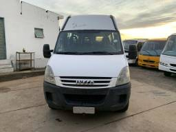 Iveco Daily 45s16 2008 16 Passageiros - 2008