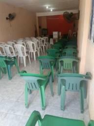 Cadeiras de plasticos
