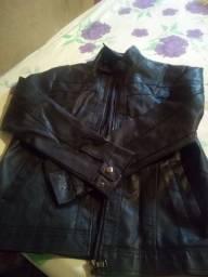 Vendo uma jaqueta